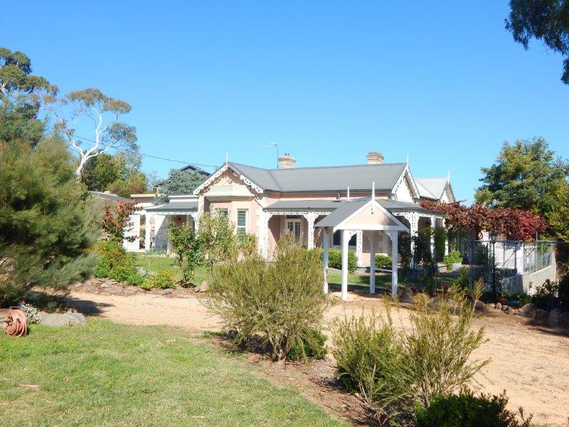 Built to last - an elegant, granite home in a premium location, 1 Cromwell Rd, Cooma.