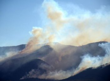 Yankees Gap Fire claims at least three homes, prepare now, more at risk