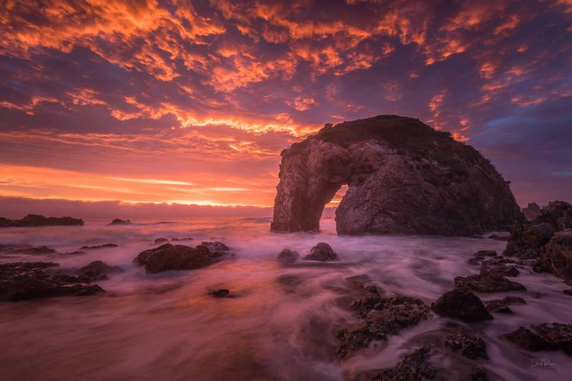 """I try and capture an ocean location in its most uniquely beautiful condition."" Iconic Horse Head Rock - photo: Dave Rogers"