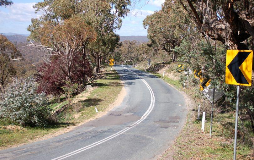 Winding road among bushland at Burra.