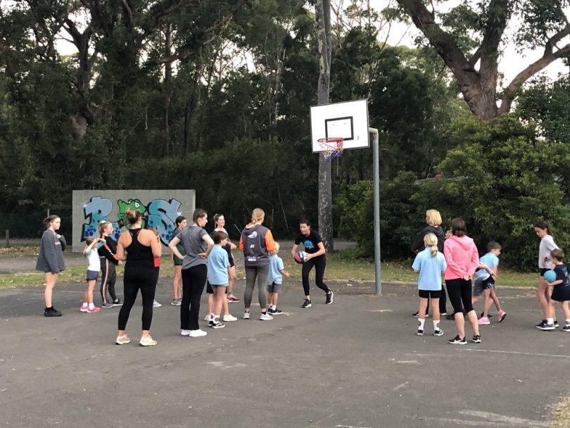 Lucille Bailie conducting community basketball clinic in Kioloa